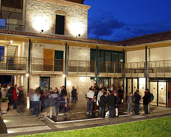 Le Théâtre Le Colombier Les Cabannes