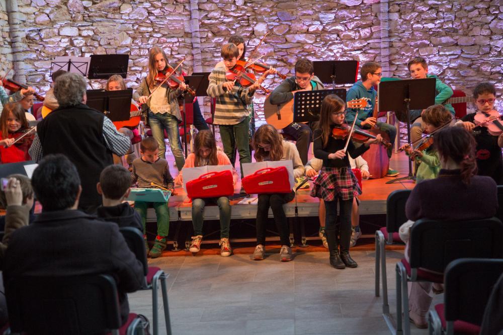 Concert des enfants à la chapelle de Massals