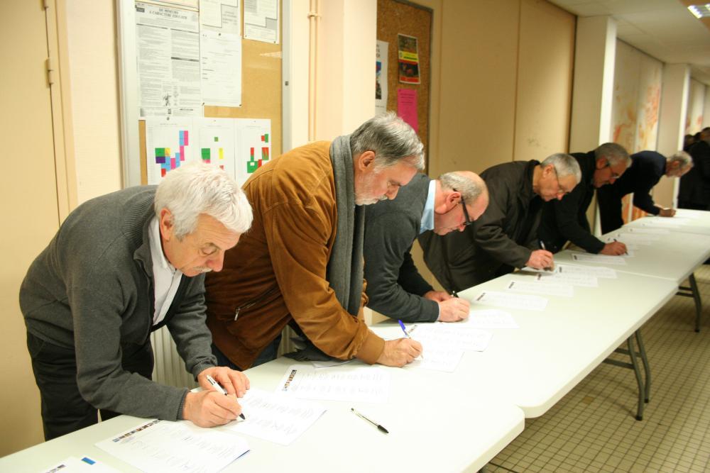 La séance des signatures TEPCV