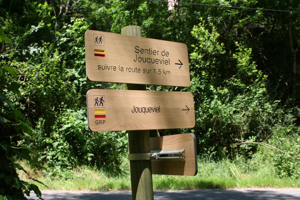 GR de Pays de la Vallée du Viaur à Jouqueviel